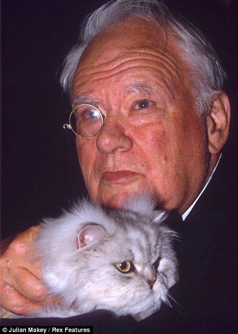 Questo cavaliere è un gatto: incontra sir patrick Moore